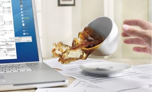 waduh harus bagaimana kalau laptop terkena air?